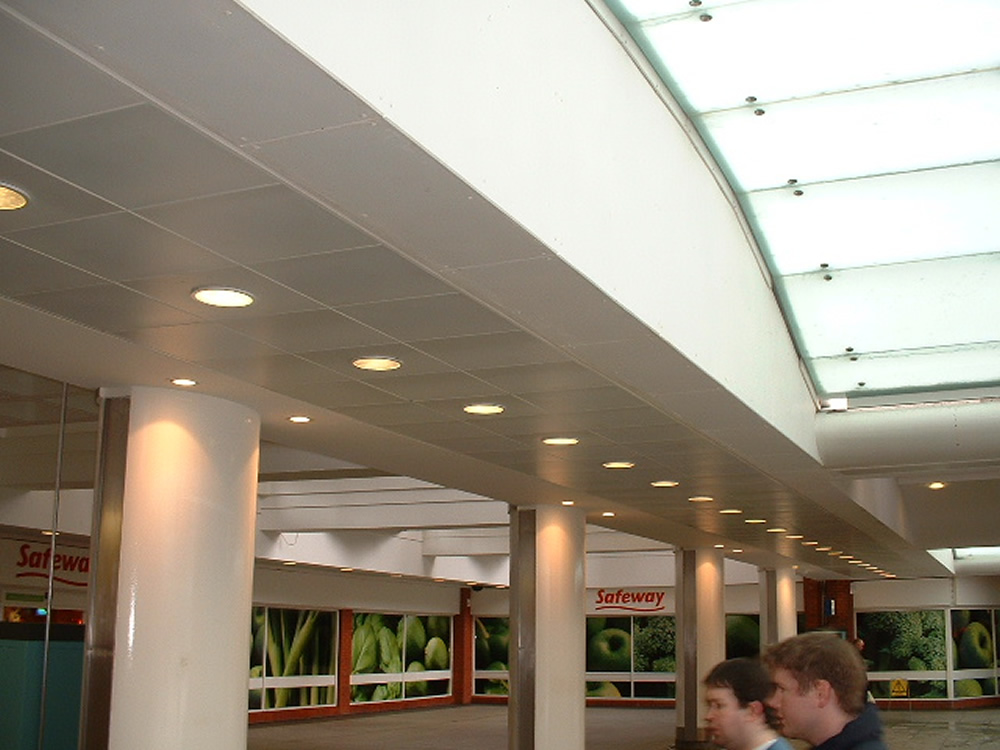 Shopping Centres - Large